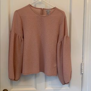 Rose blouse with bell sleeves